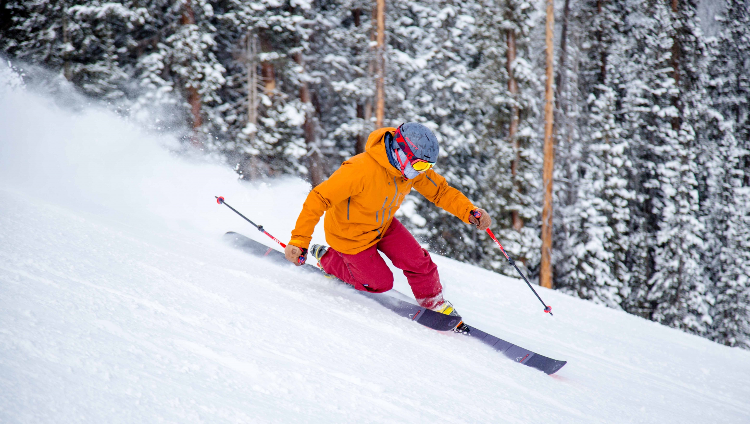 PSIA-AASI National Team member Greg Dixon telemark skis at A-Basin